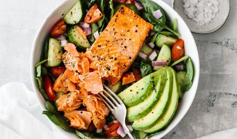 Diyet Somon Salatası Tarifi ile Sağlıklı Diyet