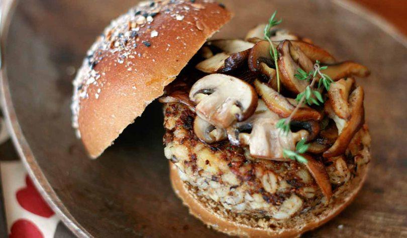 Mantarlı Vegan Burger Tarifi Nasıl Yapılır?