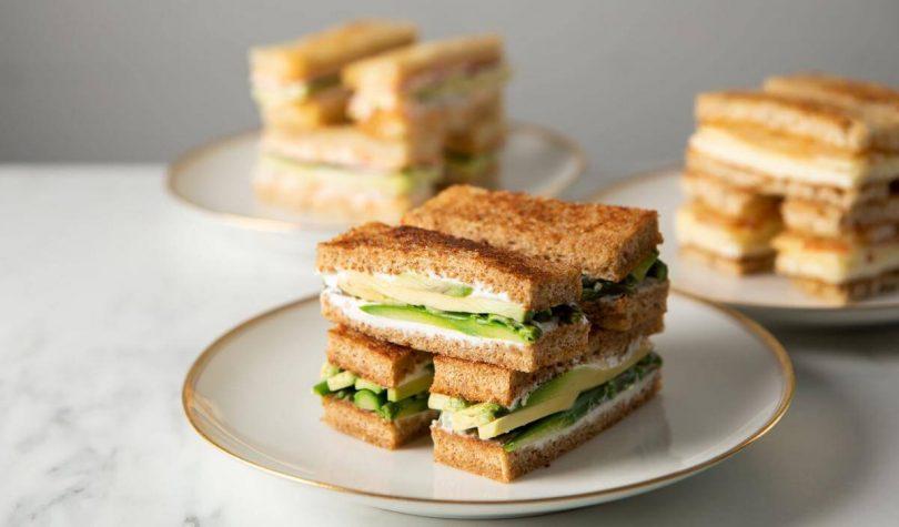 Kuşkonmazlı Avokadolu Sandviç Tarifi Nasıl Yapılır?
