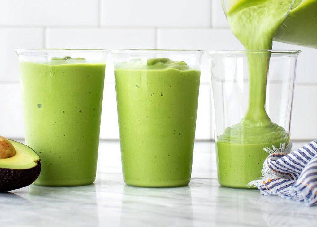 avokadolu smoothie