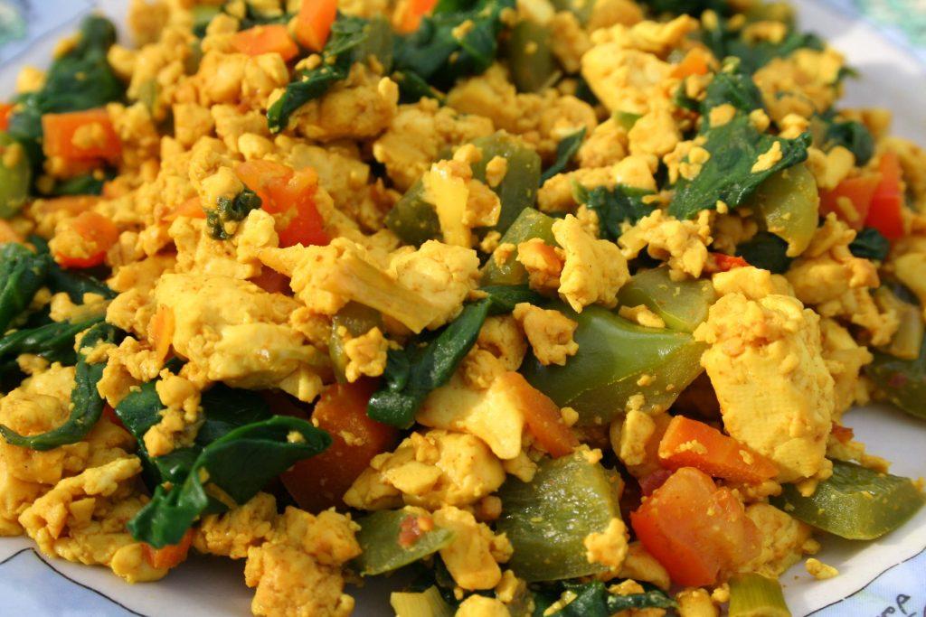 sebzeli çırpılmış tofu