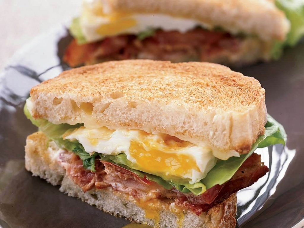 hindi fümeli yumurtalı sandviç