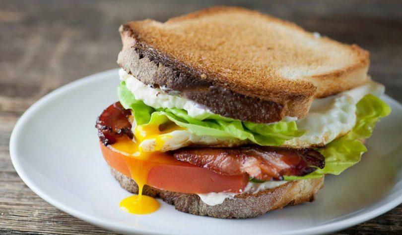 Hindi Fümeli Yumurtalı Sandviç Tarifi Nasıl Yapılır?