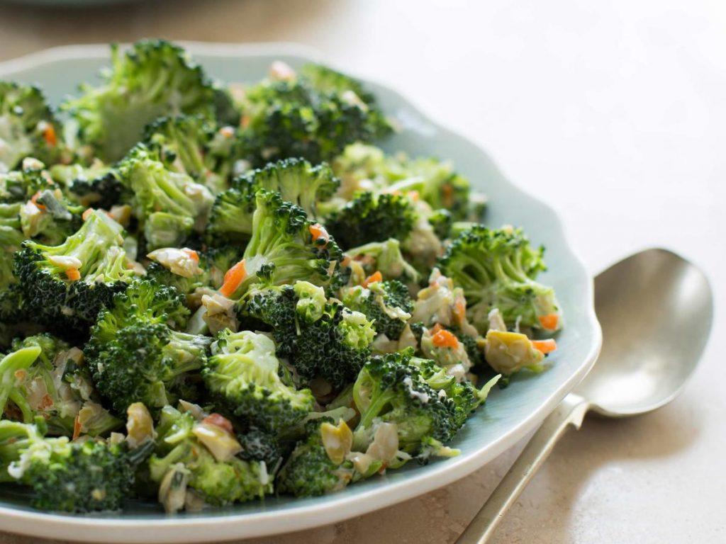 bezelyeli brokoli salatası